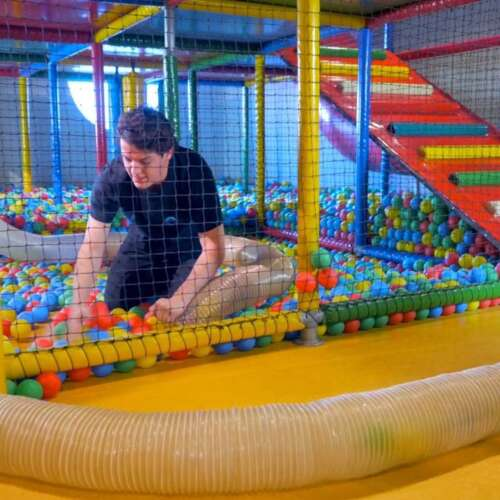 Ball pool cleaning - ELI Play